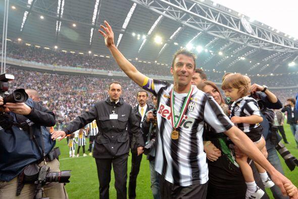 Pero en Turín la fiesta apenas comenzaba, por el título de la 'Juve' y l...