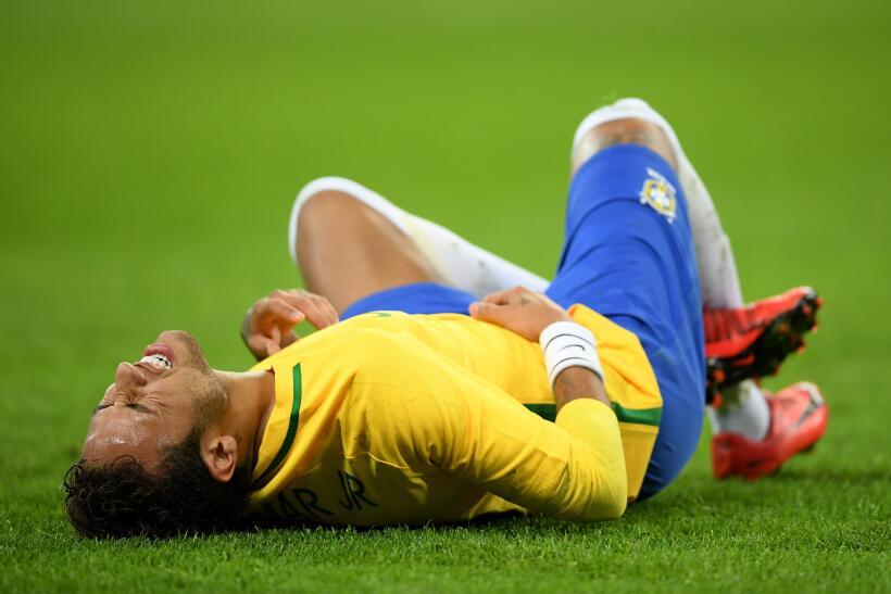 Inglaterra y Brasil empatan sin goles en Wembley gettyimages-874216256.jpg
