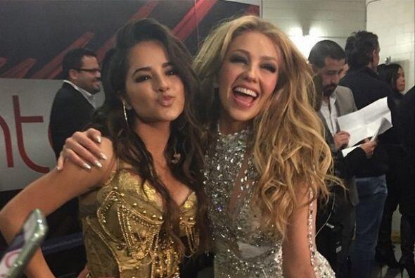 Igual de besucona que Thalía es Becky G, quien ha declarado ser súper fa...