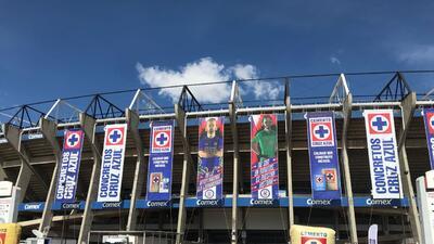 En fotos: La llegada de Cruz Azul y sus fanáticos al Estadio Azteca