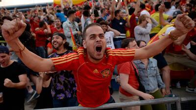 Madrid vivió con alegría el triunfo de España ante Irán en el Mundial