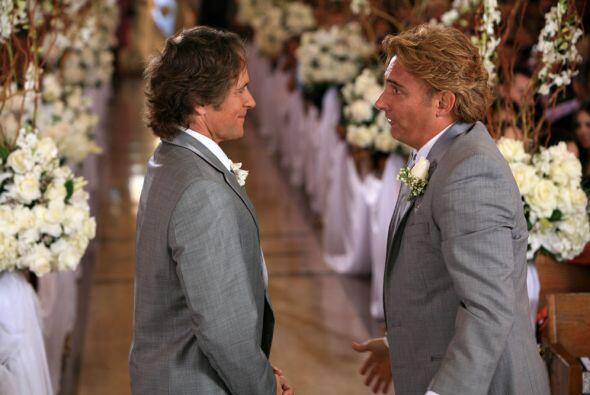 Daniel y Francisco se casaron con la mujer equivocada. Ahora Daniel rect...