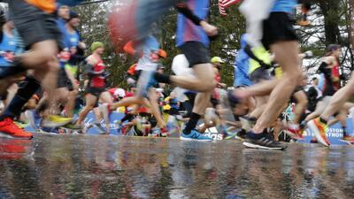 En fotos: la lluvia marcó la edición número 122 de la legendaria Maratón de Boston