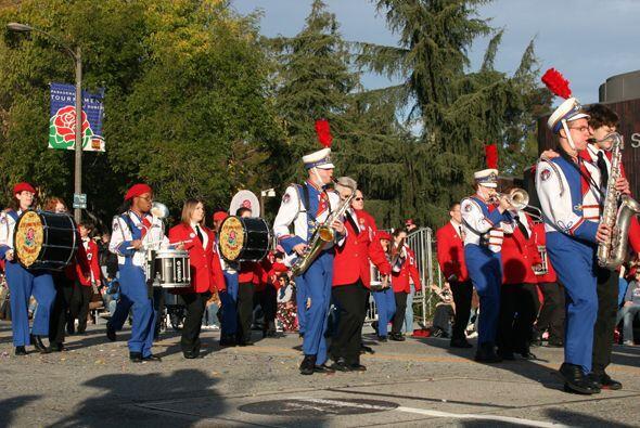 Rojo, blanco y azul, colores apropiados para un patriótico repertorio mu...
