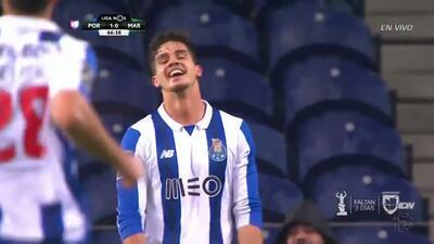 Goooolll!! Yacine Brahimi mete el balón y marca para Porto