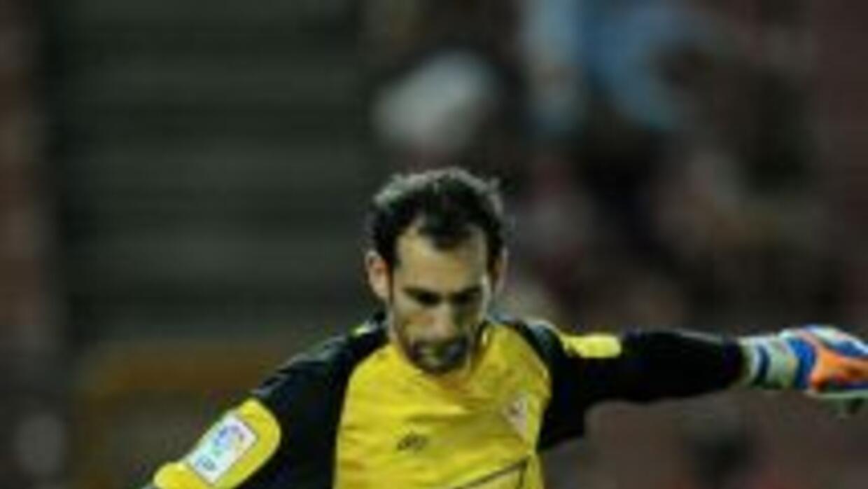 Diego López llega al Madrid para suplir la baja de Iker Casillas.