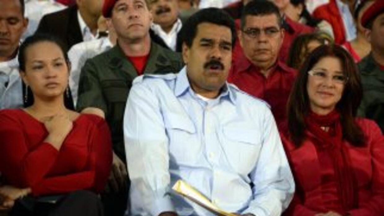 Rosa Virginia Chávez, hija del expresidente Chávez, Nicolás Maduro y su...