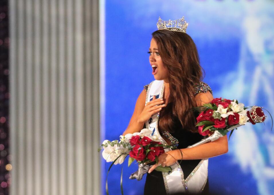 Cara Mund parecía no creer su triunfo en Miss América, donde se convirti...