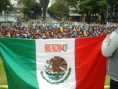 Marcha por los 43 estudiantes desaparecidos