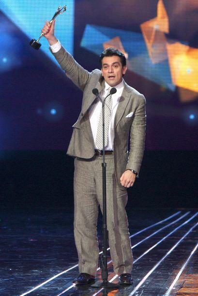 Ganó el Premio TvyNovelas al Mejor Actor por su actuación en la telenove...
