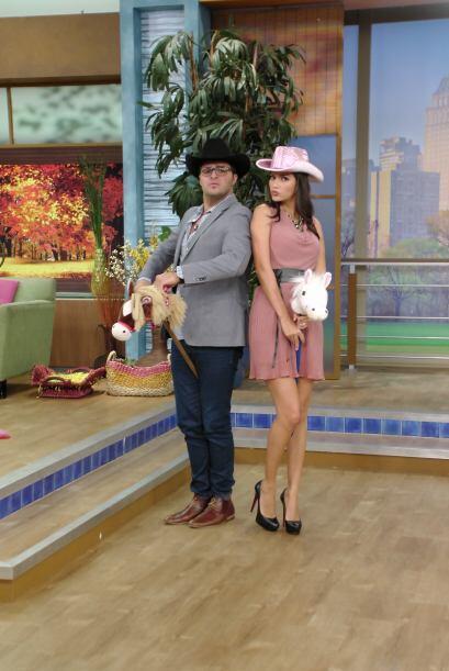 Portaron el sombrero y el caballo con gran orgullo, demostrando que está...