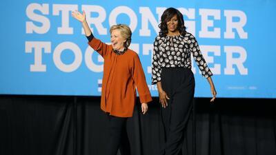 En fotos: Michelle Obama y Hillary Clinton juntas en campaña por primera vez