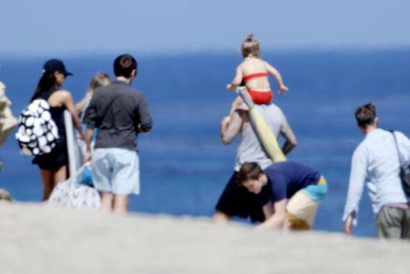 La más pequeña de los Beckham luce enorme. Aquí los videos más chismosos.