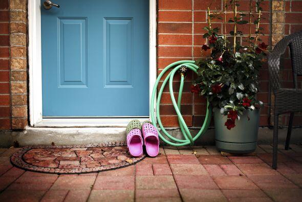 Pregunta por las reglas. ¿Se permiten los zapatos en la casa? &iq...