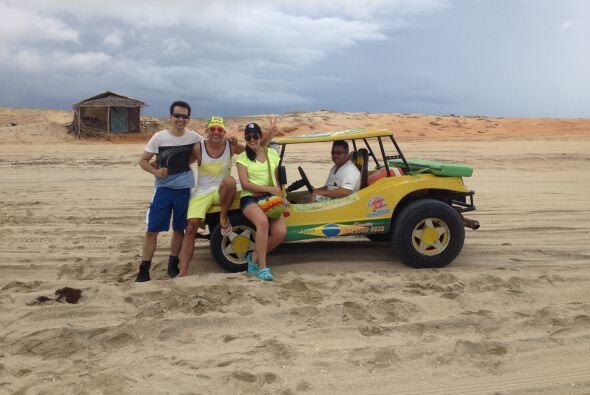 Debido a la cantidad de arena que hay, la única forma de transportarse e...
