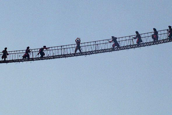 Curiosamente, Spielberg tenía fobia a las alturas y, en lugar de cruzar...