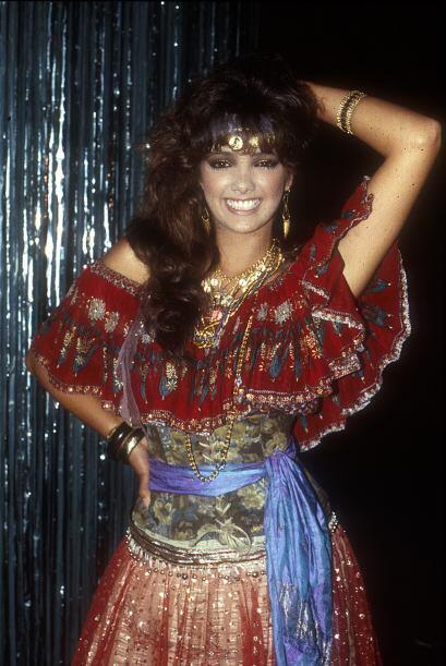 """¿Adivinas quién es? Es ¡Adela Noriega! cuando protagonizó """"Yesenia"""" en 1..."""