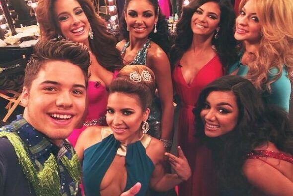 """""""Ya casi vamos al aire con la hermosas de @NuestraBellezaLatina"""", compar..."""