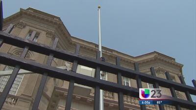 Mástil parace anunciar la pronta apertura de embajada cubana