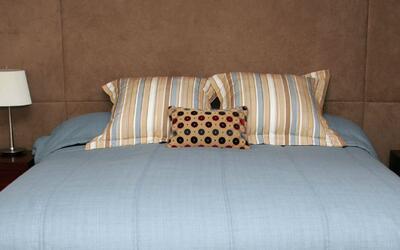 La almohada, objeto fundamental para que los adultos puedan conciliar el...
