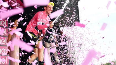 Sam Bennett ganó la séptima etapa del Giro de Italia, donde Simon Yates sigue de líder