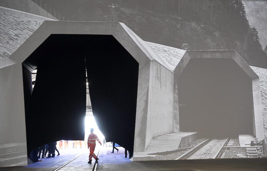 Inauguran el túnel más largo y profundo del mundo tunel1.jpg