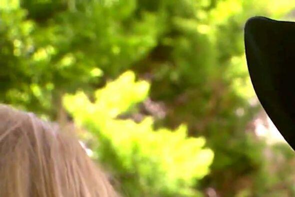 Diego está loquito por ti y para muestra un botón. ¡Qué lindo beso!