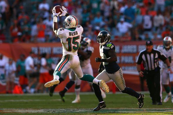 El receptor de Miami, Davone Bess, logró 129 yardas en siete recepciones.