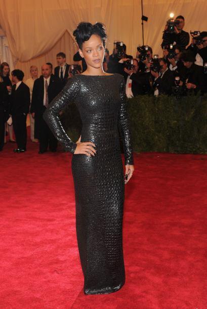 Según rihannadaily.com, los colores favoritos de Rihanna son el verde y...