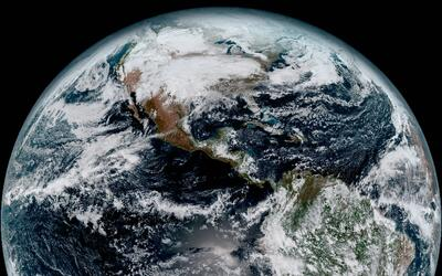 El astronauta Joe Acabá volvió a Tierra con dos cosmonautas goes1.jpg