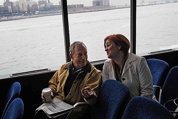 El alvcalde de Nueva York, Michael Bloomberg, llegó al parque de pelota...
