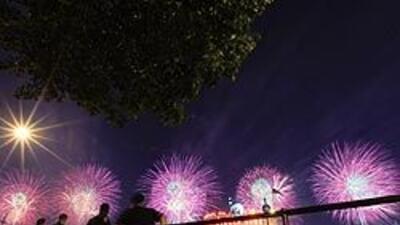 EU celebró con fuegos artificiales su Independencia 1efa8053794a4151b837...