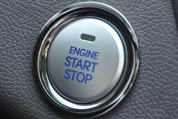 El Hyundai Sonata 2011 incluye el sistema de acceso y arranque del motor...