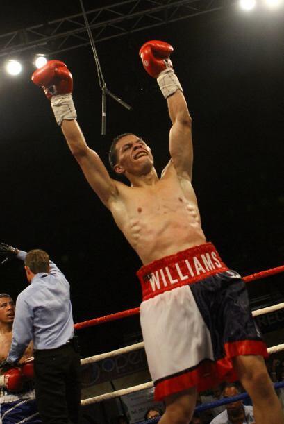 El campeón mundial aficionado McWilliams  Arroyo se tuvo que empl...