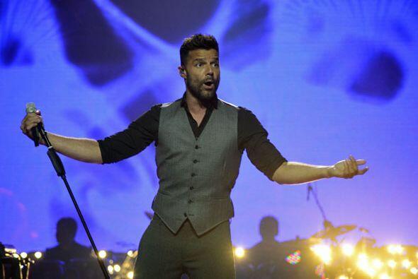 Ricky puso a todos a bailar en el foro de Va Por Ti.
