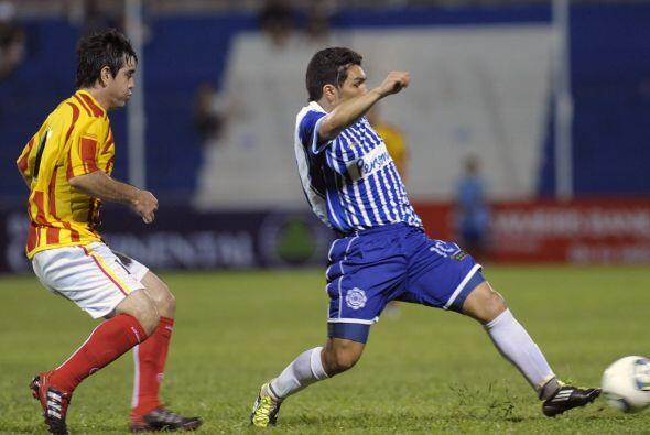 El debut de Salvador fue discreto, el delantero disputó 41 minutos con e...