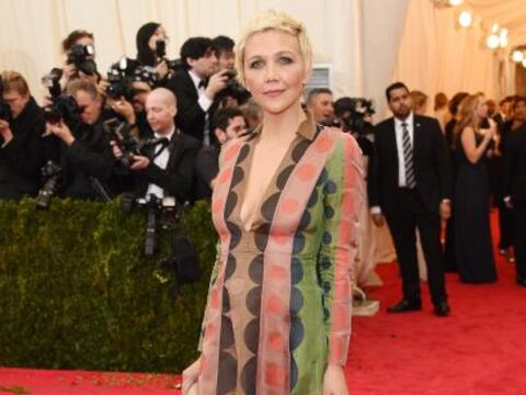 Horrible el vestido de Maggie Gyllenhaal, además, ¿qui&eac...