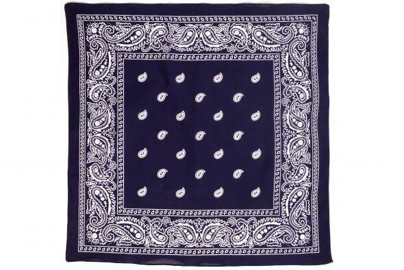 Accesorio trendy. ¿Quién dijo que las bufandas deben usars...
