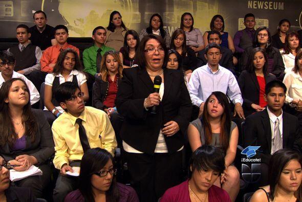 La maestra Gladis preguntó ¿cómo podemos involucrar a los padres latinos...