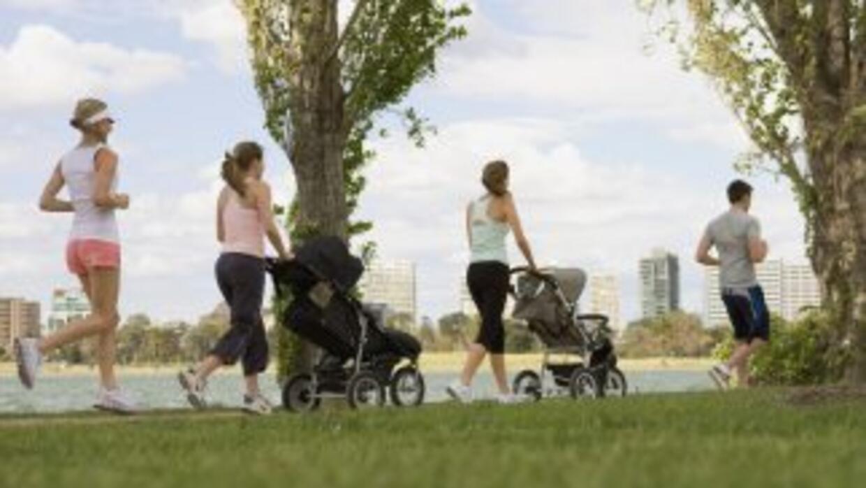 Pasas y caminatas son buenas para mantener una buena salud del corazón.