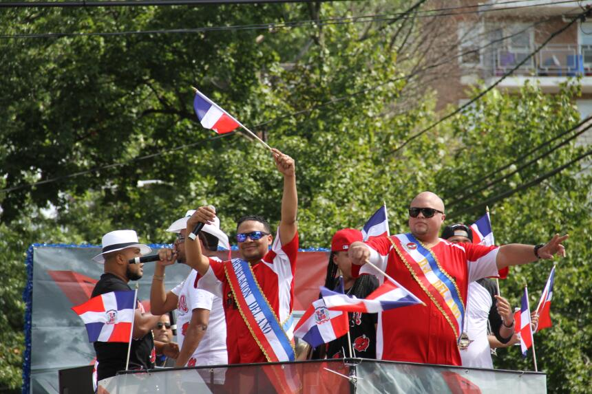 Celebra La X en el Desfile Dominicano en NJ IMG_1875.JPG
