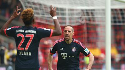 Bayern Munich no falló ante Stuttgart mientras el Ingolstad sorprendió al Gladbach