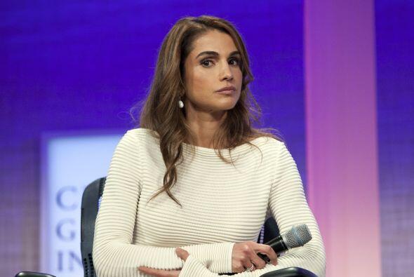 #4.  La Reina Rania (@QueenRania). Esposa del Rey de Jordania, su cuenta...