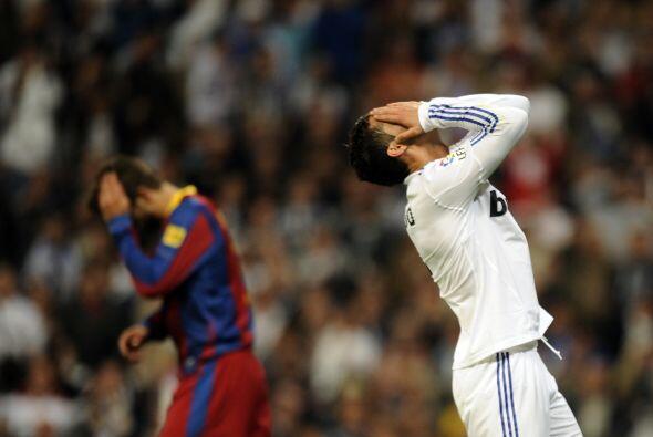 Una falta de Cristiano Ronaldo pegó en el poste.