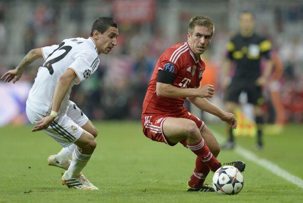 Lahm (6): Pasó del centro del campo al lateral derecho, su posición natu...