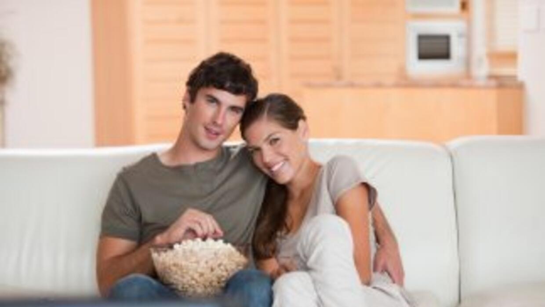 Acurrúcate junto a tu chico mientras ven una de estas comedias romántica...