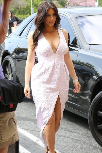 La mujer de Kanye West se pone muy sensual hasta para ir a la tienda, la...