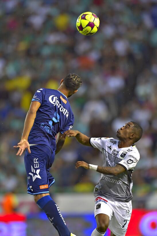 León vuelve a ganar y se acerca a la Liguilla Hernan Burbano Leon y Robe...