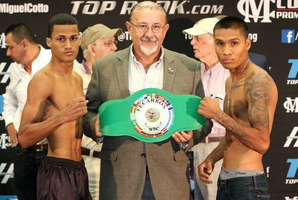 José López y.Roberto Castañeda pelearán por el título supergallo Fecarbo...