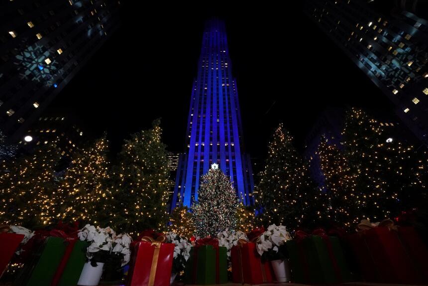 En fotos: Encienden el emblemático árbol de Navidad del Rockefeller Cent...